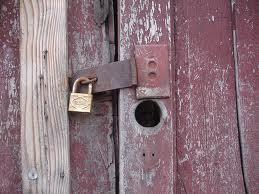 Cierra las puertas